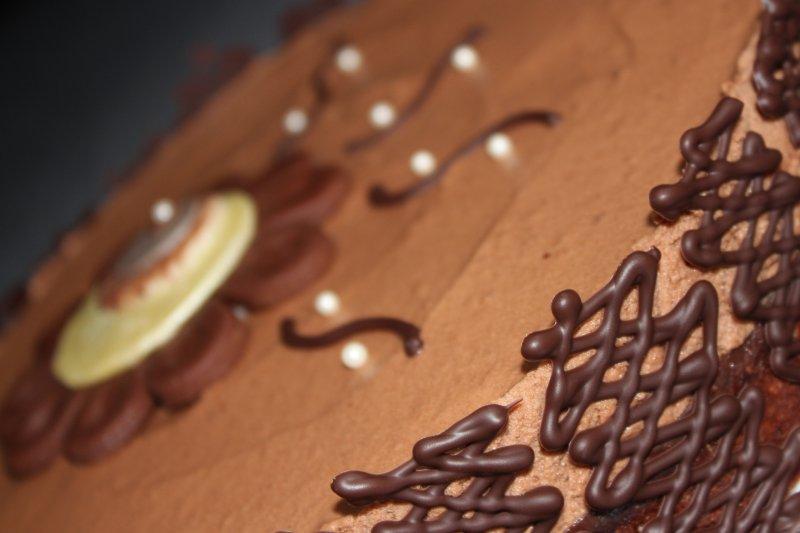 Hasselnötsmoussetårta chokladgaller