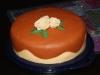 off white/brun tårta med rosor